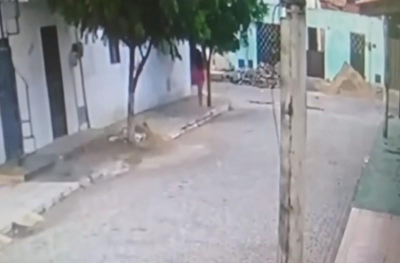Γκρινιάζει η γυναίκα σας; Τότε δείτε την απίθανη κρυψώνα ενός άντρα! (Video)