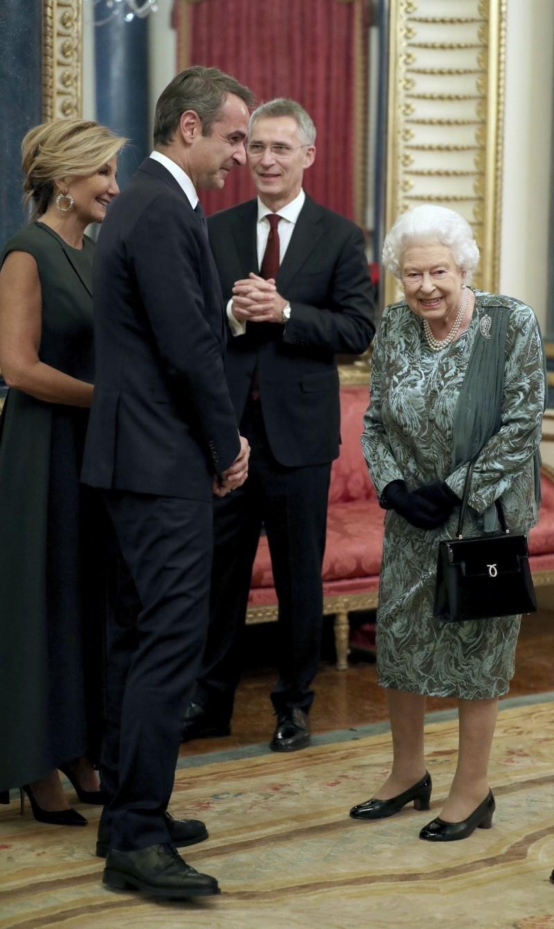 Κυριάκος Μητσοτάκης Μαρέβα Μητσοτάκη ΝΑΤΟ Βασίλισσα Ελισσάβετ