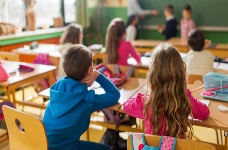 Ανατροπή! Δείτε πότε θα κλείσουν και πότε θα ανοίξουν τα σχολεία στις γιορτές!