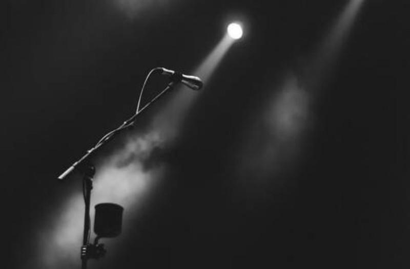 Σοκ: Πέθανε πασίγνωστη τραγουδίστρια!