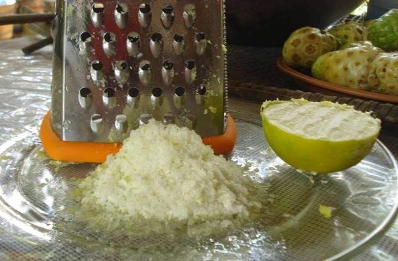 Είτε το πιστεύετε είτε όχι, χρησιμοποιήστε κατεψυγμένα λεμόνια και θα σώσετε το σώμα σας από τις πιο σοβαρές παθήσεις!