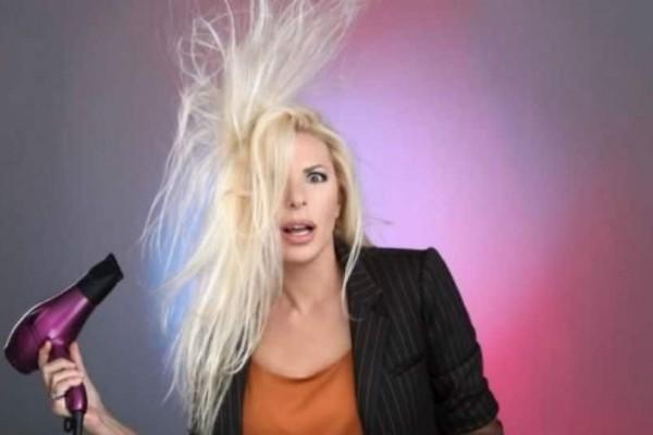 Αννίτα Πάνια: Αυτά είναι τα αληθινά μαλλιά της! Πέταξε τις τρέσες!