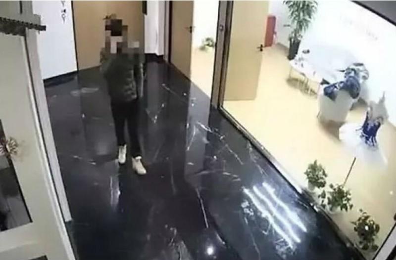 Αδιανόητο: Αυτός ο άντρας έκλεψε ένα ηχείο για