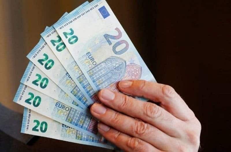 Τεράστια ανάσα: Επίδομα 2.400 ευρώ!