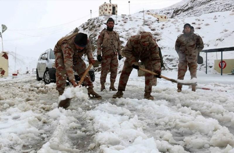 Τραγωδία στο Πακιστάν: Κοντεύουν τους 60 οι νεκροί από τις φονικές χιονοστιβάδες!