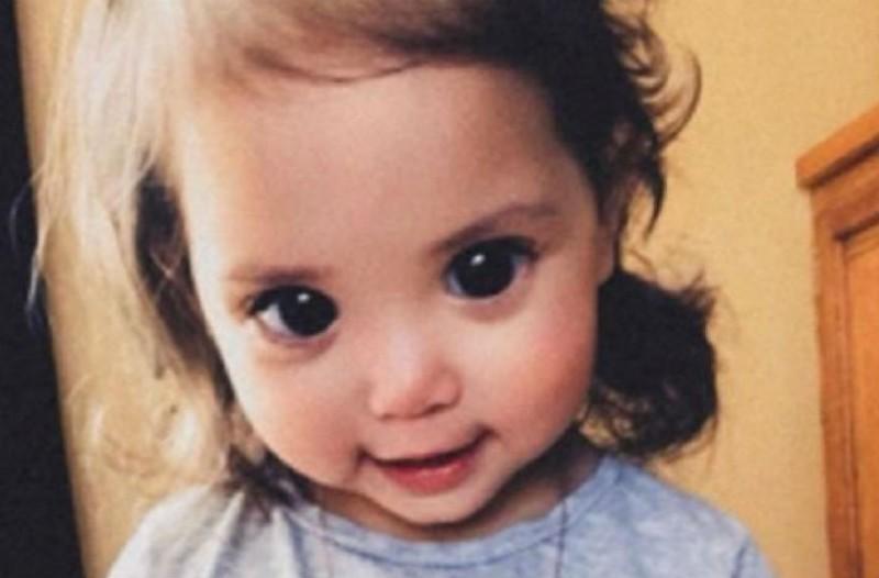 Η πιτσιρίκα που έγινε viral για τα εντυπωσιακά της μάτια!