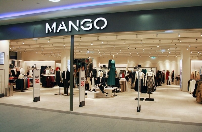 Mango: Το φόρεμα από λάστιχο που τονίζει τέλεια τις καμπύλες! Είναι σε έκπτωση!