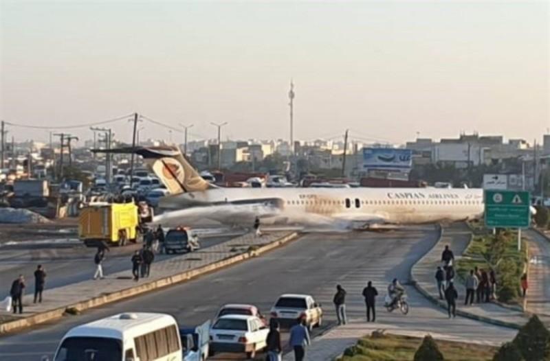 Πτήση-τρόμος: Εφιαλτικές στιγμές για 85 επιβάτες! Αεροπλάνο έφυγε από το διάδρομο! (Video)