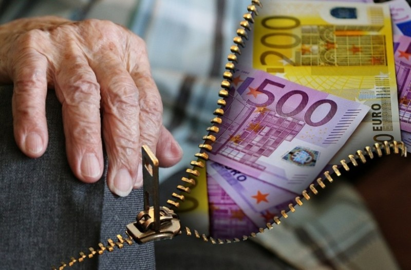 Συντάξεις: Αυξήσεις για 500.000 συνταξιούχους έως και 300 ευρώ! (photos)