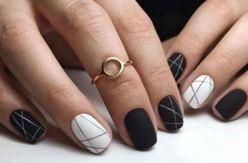 Θες να έχεις την τελευταία τάση στα νύχια σου; Ακολούθησε τους 9+1 κορυφαίες nail artists!