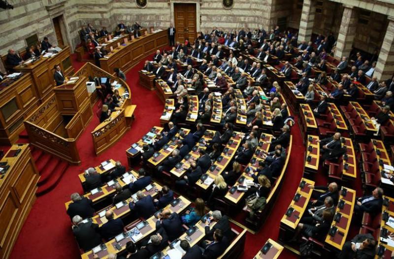«Είχα έναν όγκο στον εγκέφαλο»! Συγκινεί Έλληνας Βουλευτής! (video)