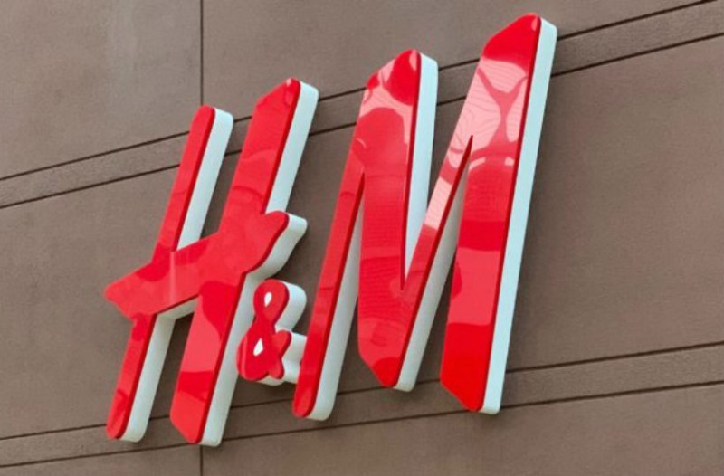 H&M: Ανακαλύψαμε το τέλειο κρουαζέ τοπ και κοστίζει μόλις 8,99€!