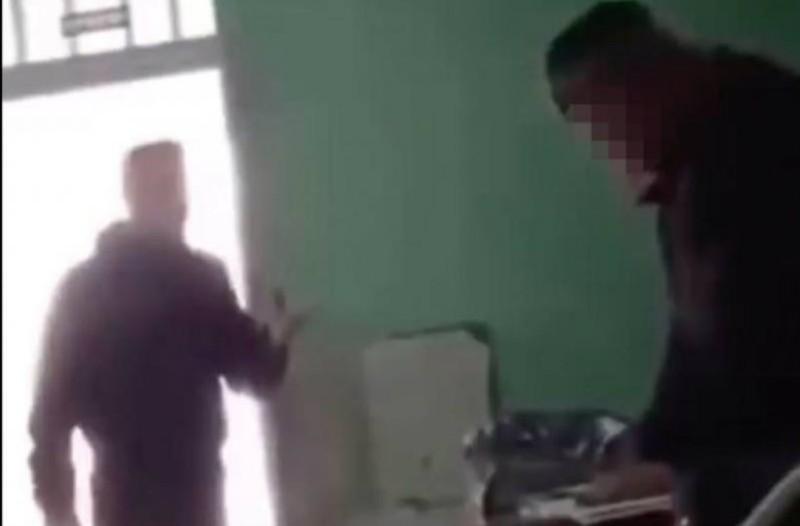 Έστειλαν σε ψυχολόγο και κοινωνικό λειτουργό τον μαθητή που τραμπούκιζε την καθηγήτρια! (audio)