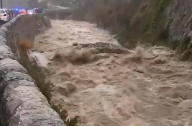 Καταιγίδα «Γκλόρια»: Δύο ποταμοί υπερχείλισαν στη Γαλλία! 1.500 άνθρωποι εγκατέλειψαν τα σπίτια τους!