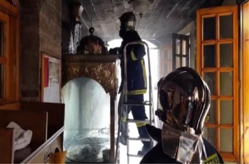 Κοζάνη: Φωτιά στον Ιερό Ναό του Αγίου Νικολάου!