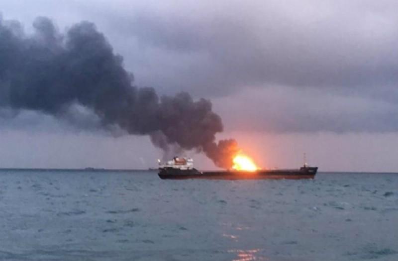 Έριξε πυραύλους σε τουρκικό πλοίο που μετέφερε όπλα ο Χαφτάρ! (video)