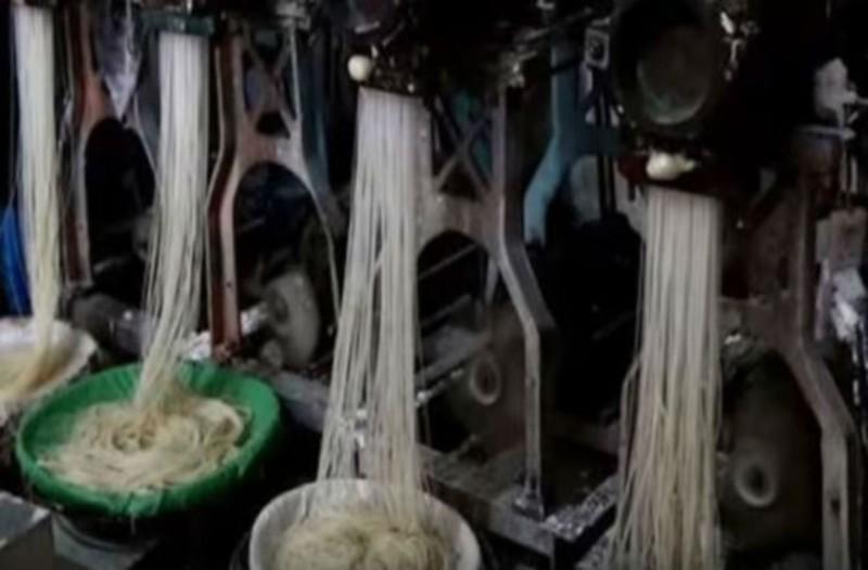 Προσοχή αυτά είναι τα πιο τοξικά τρόφιμα! Μακαρόνια από την Κίνα από πλαστικό και καρκινογόνα χημικά!