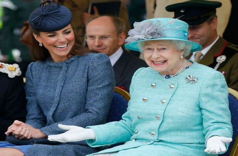 Έγραψε ιστορία η Βασίλισσα Ελισάβετ! Αυτόν τον βασιλιά ξεπέρασε κι έφτασε στην πεντάδα!