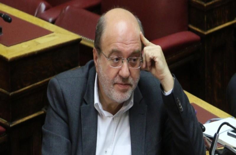 Κατέρρευσε στην Βουλή ο Τρύφων Αλεξιάδης!