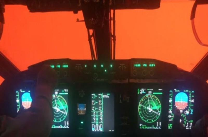 Τρομακτικό βίντεο από κόκπιτ αεροπλάνου πάνω από τις φωτιές στην Αυστραλία!