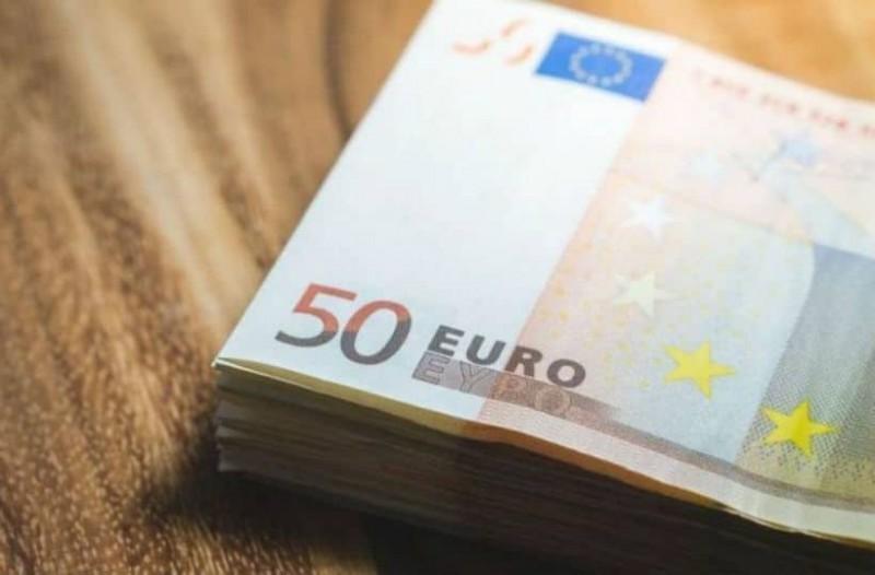 Ανατροπή με το κοινωνικό μέρισμα: Αρκετά περισσότεροι θα πάρουν 700 ευρώ!