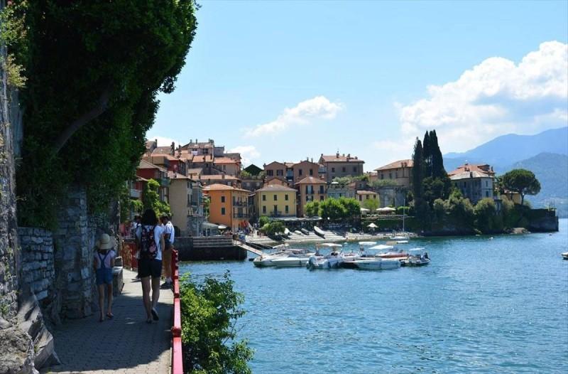 Η φωτογραφία της ημέρας: Στην μαγευτική λίμνη Κόμο της Ιταλίας!