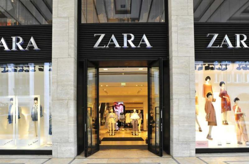 ZARA: Βρήκαμε το πλισέ φόρεμα που κοστίζει 9,99 ευρώ! Ταιριάζει με τα πάντα!