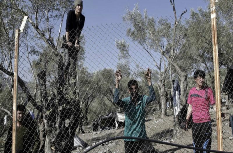 Επεισόδια στη Μυτιλήνη! Πορεία Αφγανών και ρίψεις χημικών από τα ΜΑΤ! (video)