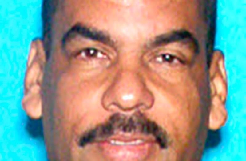 49χρονος άνδρας σκότωσε τη γυναίκα του και απήγαγε το παιδί του!