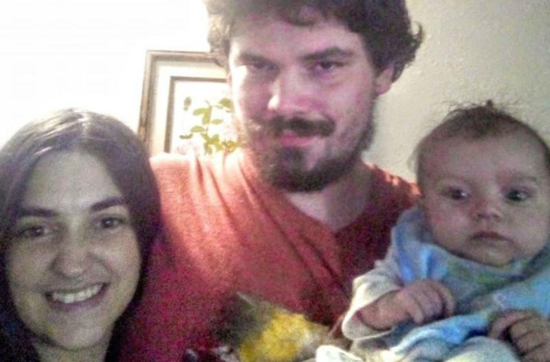 Φρίκη! Γονείς συνέθλιψαν το κρανίο του μωρού τους! (photos)