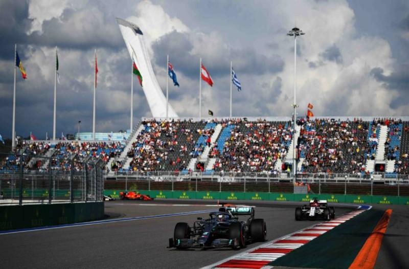 Τρόμος και στην Formula 1 λόγω κορωναϊού! Αναβλήθηκε το Grand Prix της Κίνας!