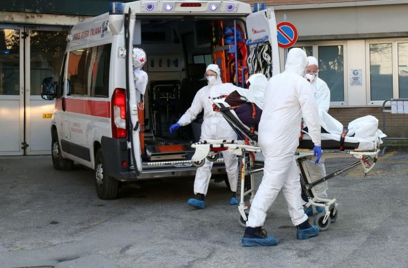 10 οι νεκροί στην Ιταλία! Ανεξέλεγκτος ο κορωναϊός!