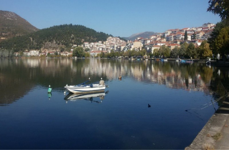 Αδιανόητο! Μόλις ξεπάγωσε η λίμνη στην Καστοριά δεν πίστευαν αυτό που έβλεπαν μπροστά τους! (photos)
