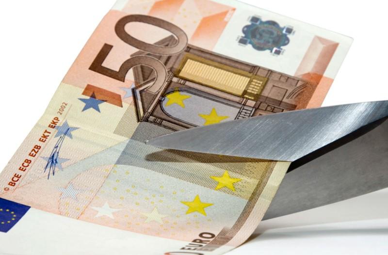 Ξεκινάει η διαγραφή χρεών! Ποιοι οφειλέτες ευνοούνται;
