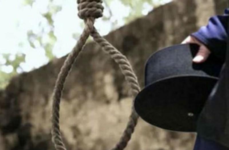 60χρονος ιερέας κρεμάστηκε σε εκκλησία! Σοκ στη Λάρισα!