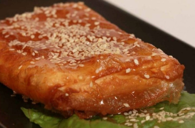 Η συνταγή της ημέρας: Εκπληκτική μελοτυρόπιτα!