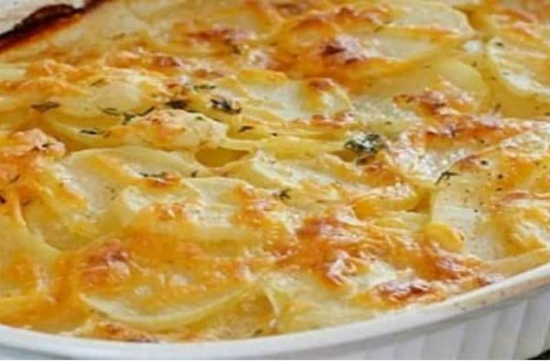 Οι πιο νόστιμες πατάτες φούρνου με μια αλλιώτικη συνταγή! Το μυστικό με το γάλα!