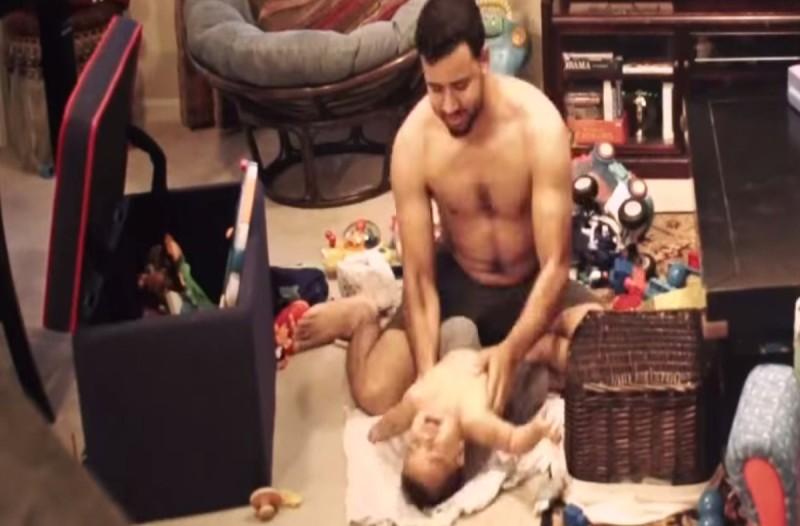 Μητέρα έβαλε κρυφή κάμερα για να δει τι κάνει ο 30χρονος πατέρας με τον γιο του...Τρελάθηκε με αυτό που είδε!