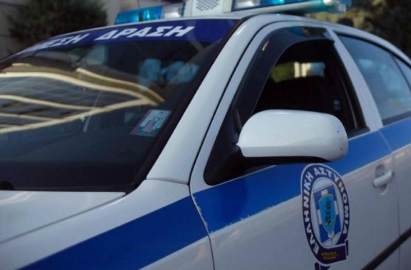 Τρόμος για γνωστό Έλληνα δημοσιογράφο - Του άφησαν απειλητικό μήνυμα με μαχαίρι (photo)