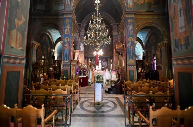 Κορωνοϊός: Παραμένουν κλειστές οι εκκλησίες έως 11/4 - Διαδικτυακά οι λειτουργίες