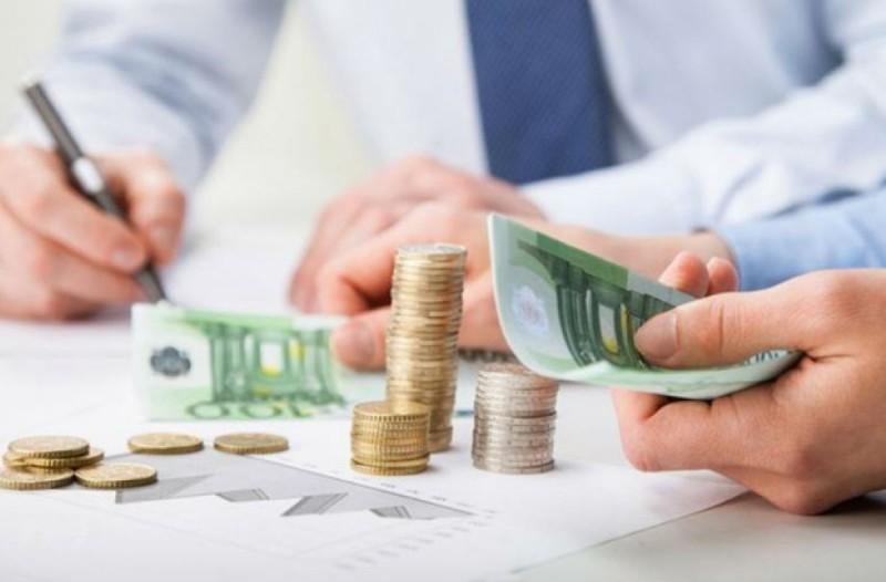 Για ποιες επιχειρήσεις «παγώνουν» οι φορολογικές υποχρεώσεις - Πότε δίνεται έκπτωση φόρου 25%; Τι ισχύει για τις οφειλές ΦΠΑ;