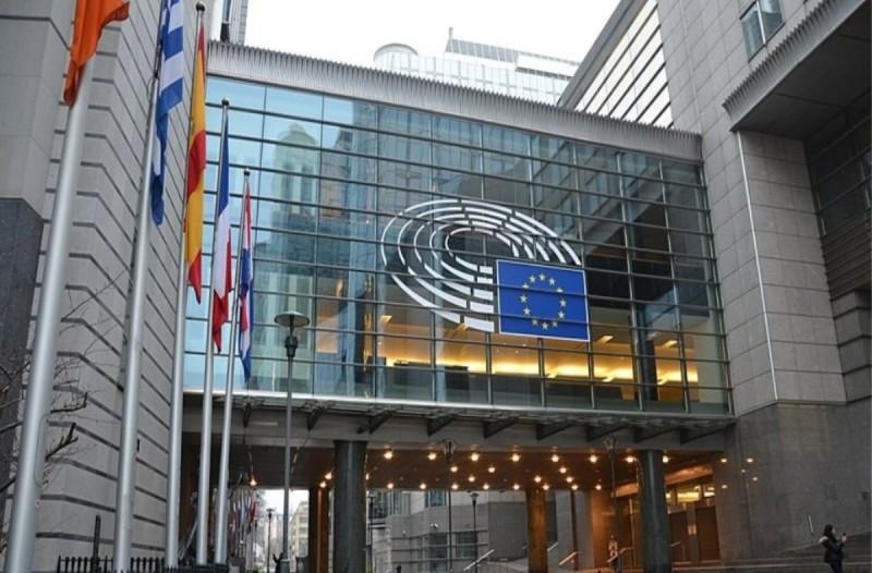 Βρυξέλλες: Θύμα του κορωνοϊού εξωτερικός συνεργάτης του Ευρωπαϊκού Κοινοβουλίου