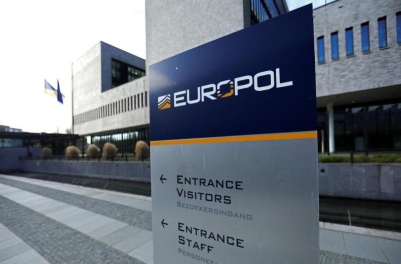 Κορωνοϊός: Η Europol προειδοποιεί για χιλιάδες φάρμακα και εμβόλια