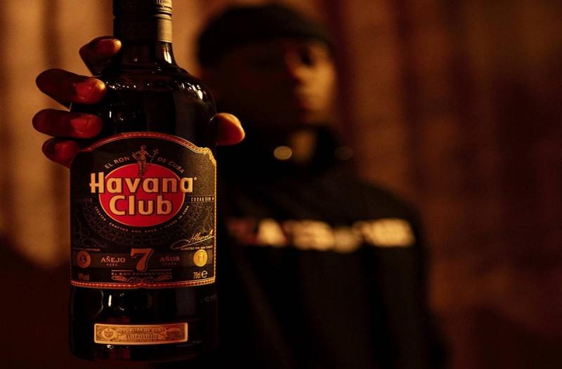 Το Havana Club κινηματογραφεί τον Kareem Kalokoh και τη μουσική του σε ένα ταξίδι στους δρόμους του κόσμου