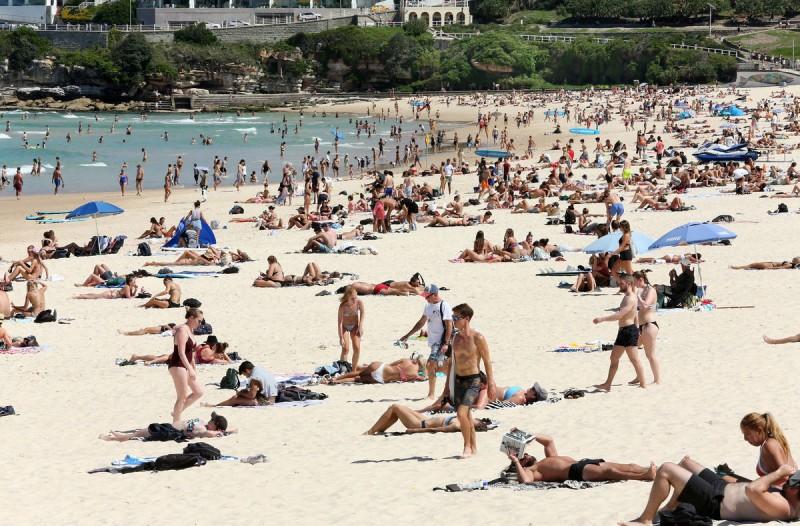 Θετικοί στον κορωνοϊό αυτοί που έσπευσαν στις παραλίες!