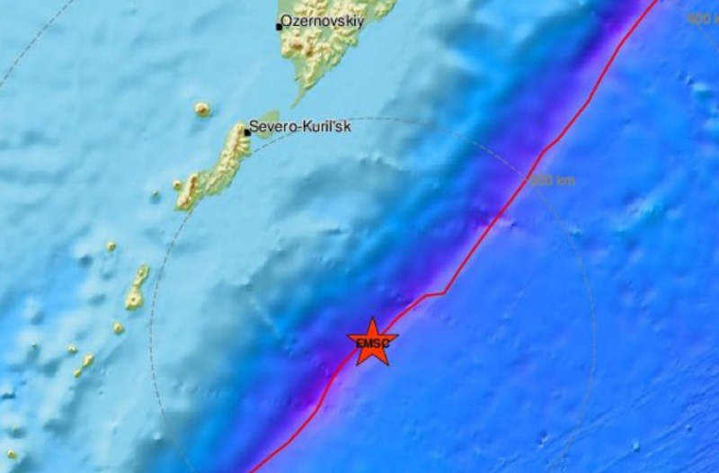 Ισχυρός σεισμός 7,6 Ρίχτερ (photo)