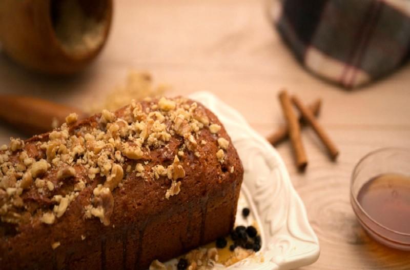 Αφράτο κέικ μελιού με ζαχαρούχο γάλα!