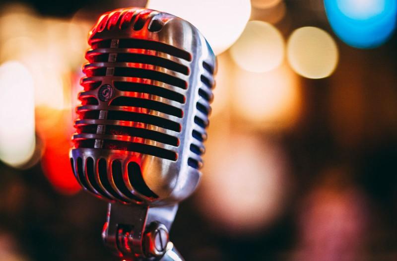 Σοκ: Πέθανε γνωστή τραγουδίστρια! (photo-video)