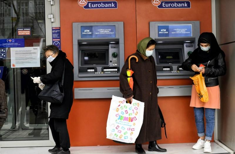 «Πάγωσαν» για 6 μήνες τα δάνεια των επιχειρήσεων οι τράπεζες!