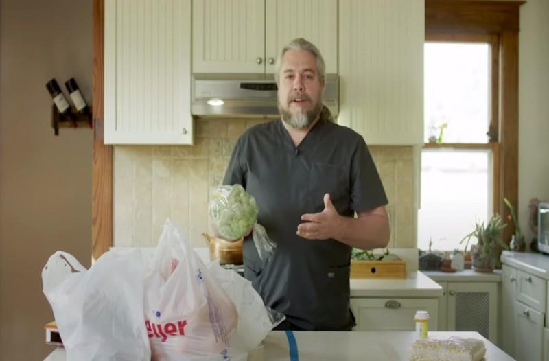 Έτσι απολυμαίνετε τα προϊόντα του σούπερ μάρκετ - Το viral βίντεο Αμερικανού γιατρού με τις 12.6 εκατ. προβολές
